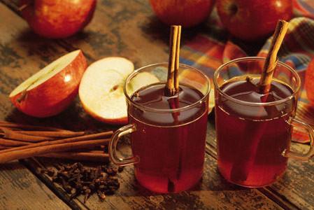 1349715566_3531_hot_apple_cider