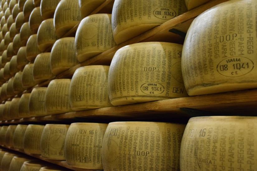 parmigiano-reggiano-1574185_960_720