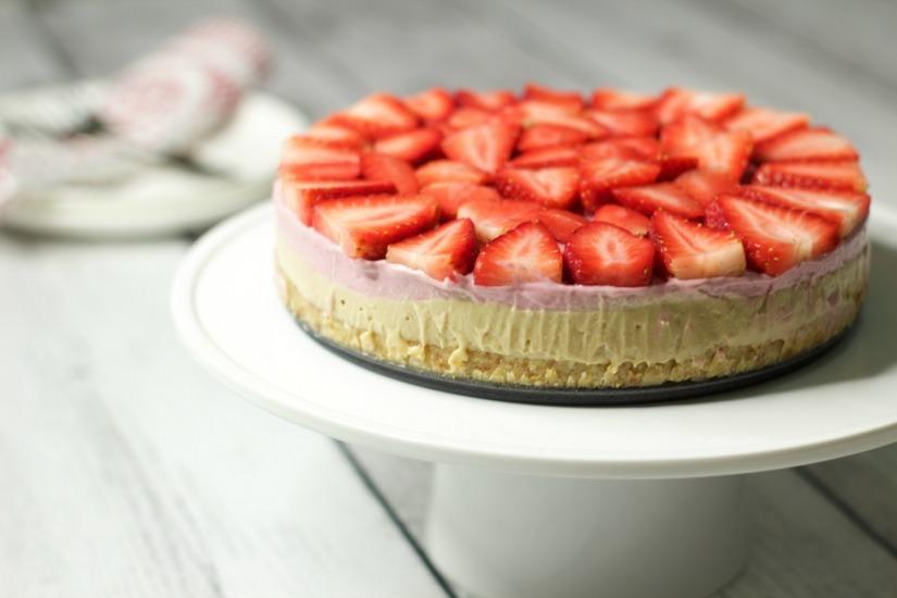 Raw-Strawberry-Cheesecake-10
